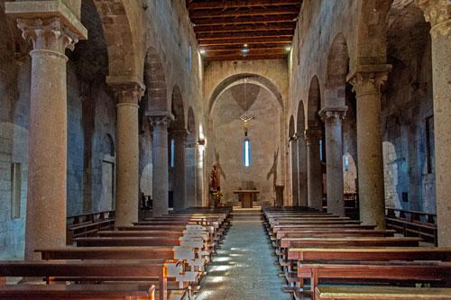 Sant' Antioco di Bisarcio, Innenraum