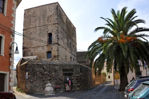 Orosei, Castello