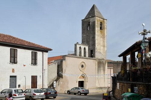 Sadali, Kirche
