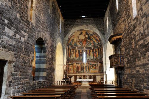 Santissima Trinita di Saccargia, Innenraum