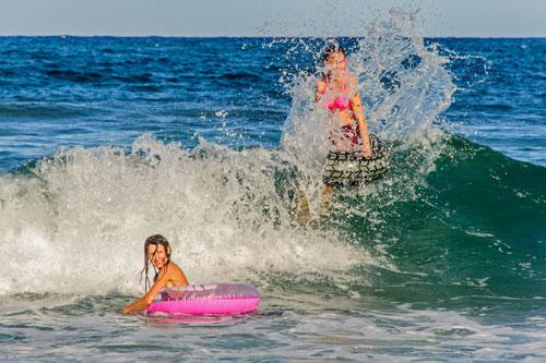 hohe Wellen am Strand